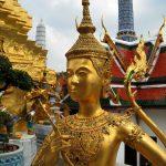 golden-statue-in-wat-phra-kaeo_MJxWyfsu
