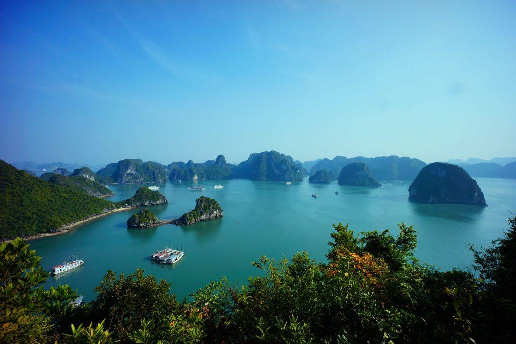 halong-bay-vietnam-593840